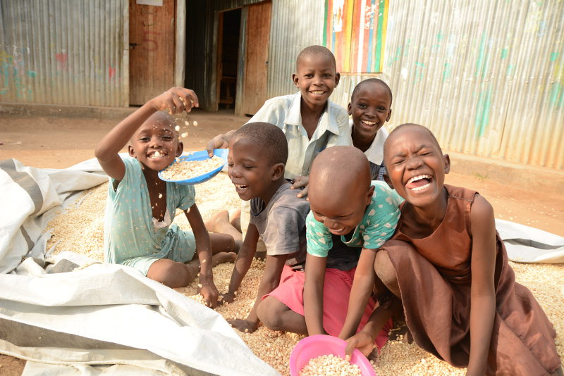 Maize cleaning Fun! Sponsor a Child in Kenya with Better Me